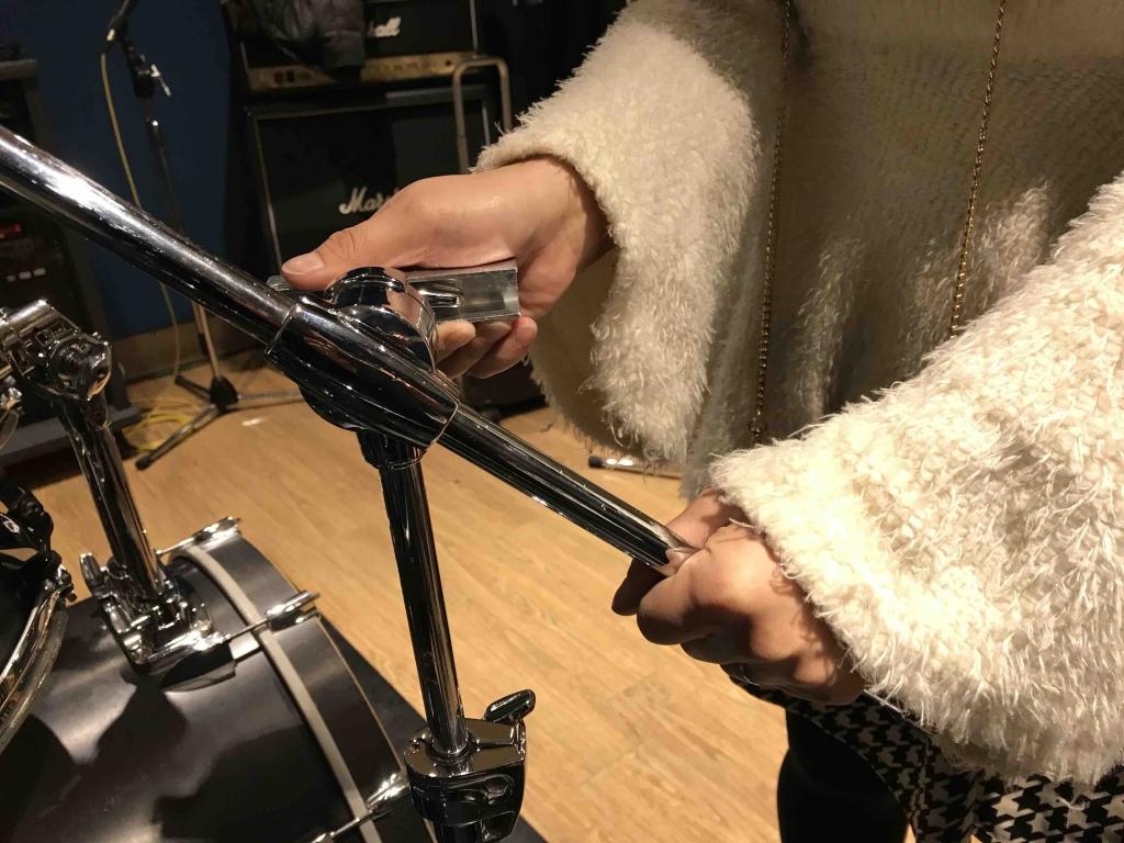 ドラムのネジの緩め方2