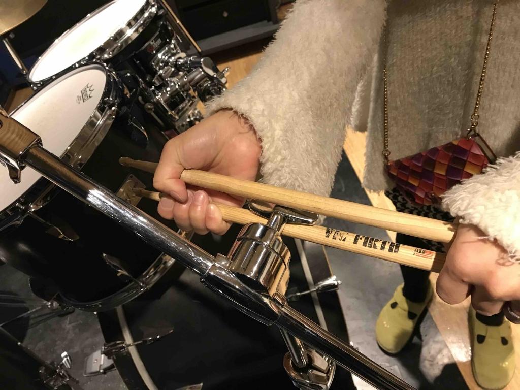ドラムのネジの緩め方3